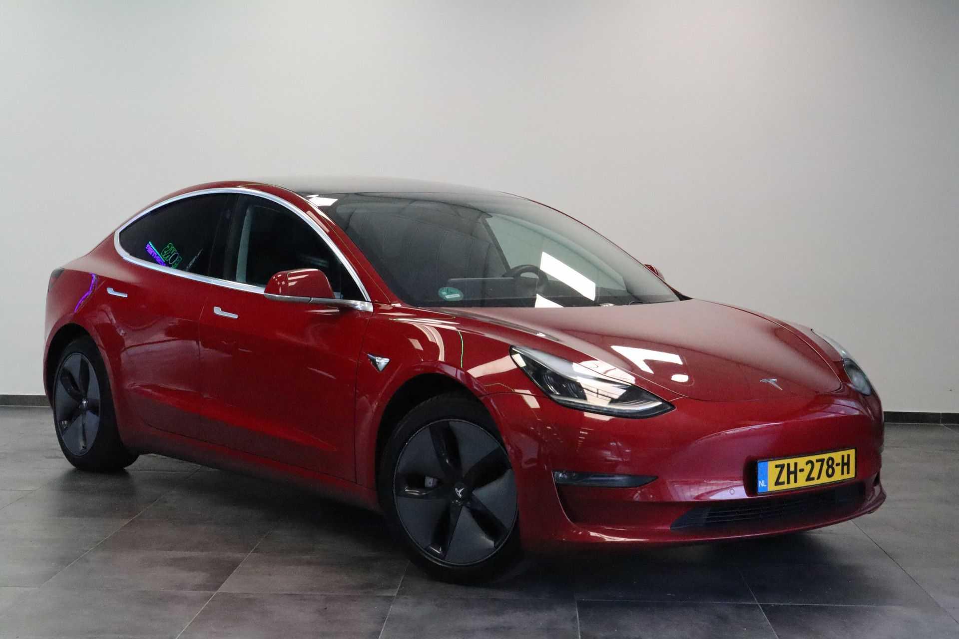 "Tesla Model 3 Long Range | prijs ex.btw 45950,- | FSD! Rood Zwart Navigatie 18""LM 4% Bijtelling Privacy glas 351 PK!"