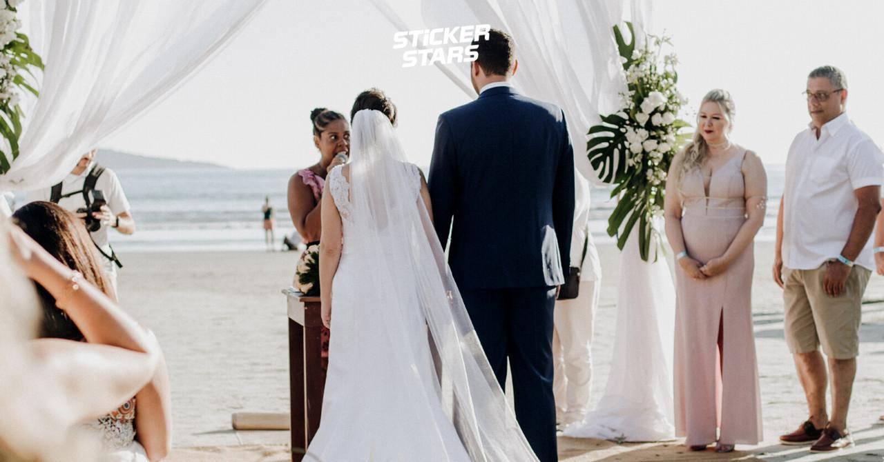 """Das Hochzeitsmotto """"Beachparty"""" muss nicht immer am Strand umgesetzt werden."""