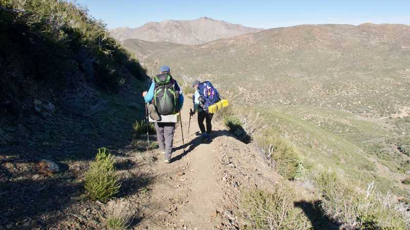 Tengo and Deva on descent to Chariot Canyon