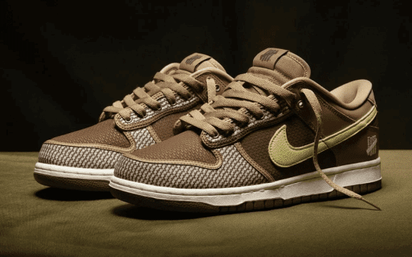 Nike x Undefeated Dunk Low SP