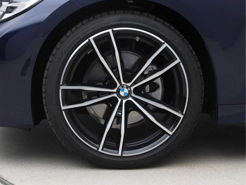 BMW 3 Serie 320i Exe M-Sport Aut. afbeelding 21