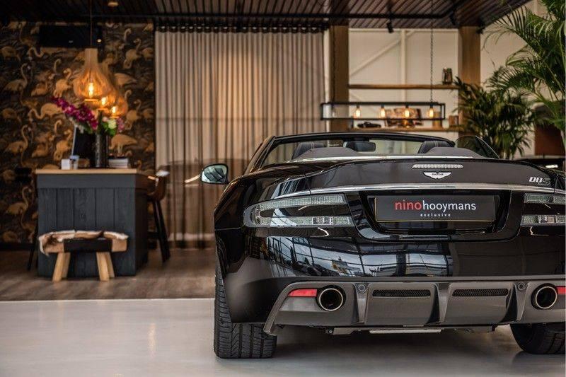 Aston Martin DBS Volante 6.0 V12 Black Carbon Edition afbeelding 5