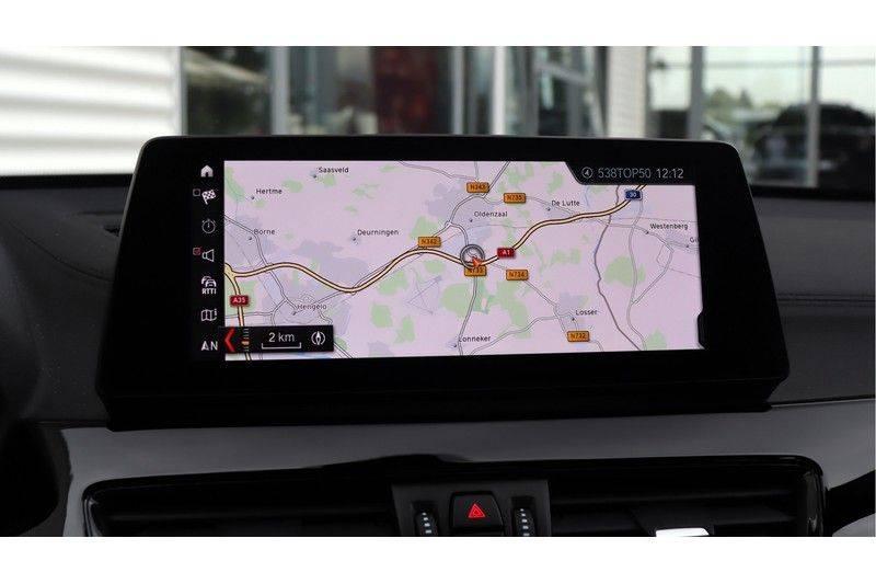 BMW X1 xDrive20i High Executive M Sport Panoramadak, Head-Up Display, Leder, Trekhaak afbeelding 12