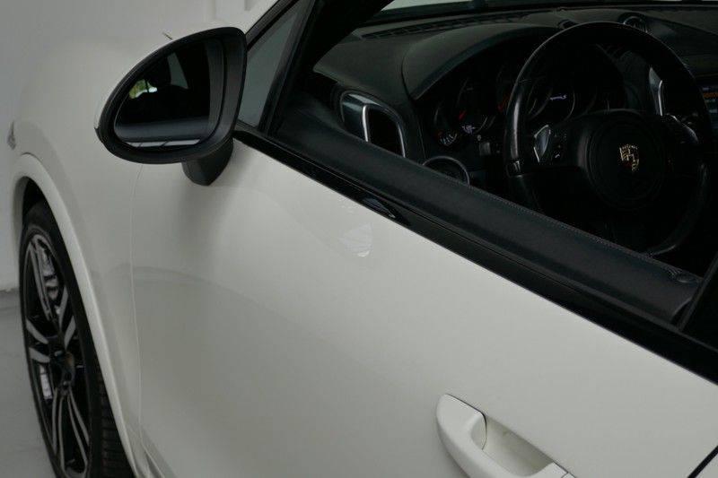 Porsche Cayenne 4.8 S Panoramadak afbeelding 10