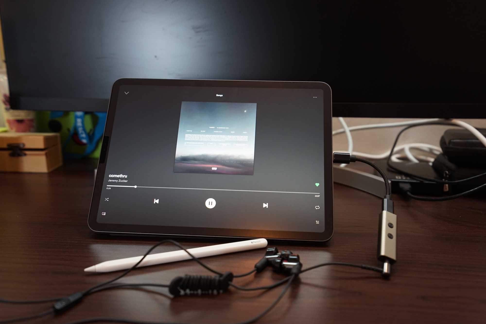 iPad Pro 11-inch with Zuper-DAC