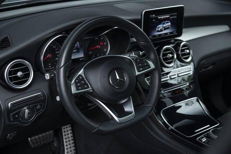 Mercedes-Benz GLC 350d AMG 4MATIC Premium Plus GLC Apple CarPlay + Verwarmde stoelen + Elektrische trekhaak + Panorama Dak afbeelding 3