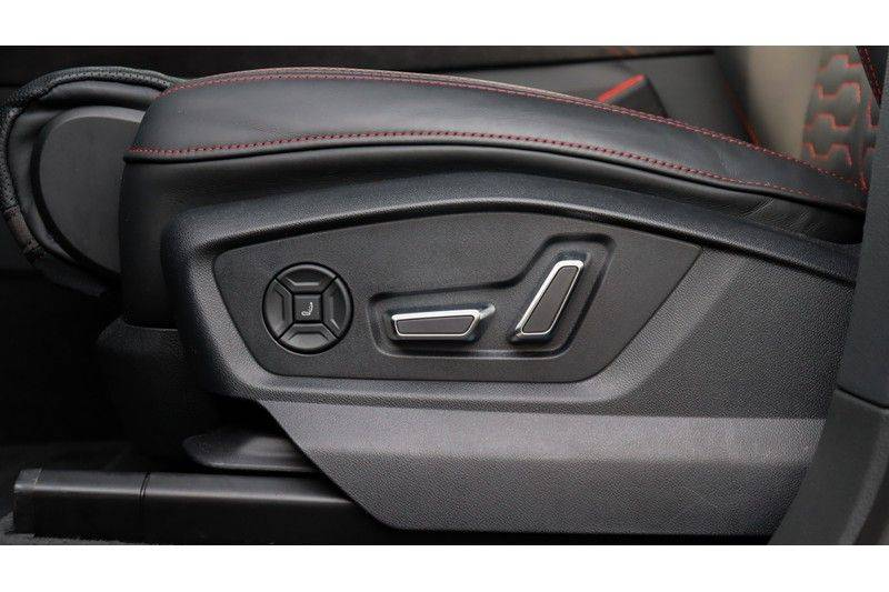 Audi RS Q8 4.0 TFSI Quattro RS Dynamic Plus, B&O, Keramisch, Panoramadak afbeelding 14