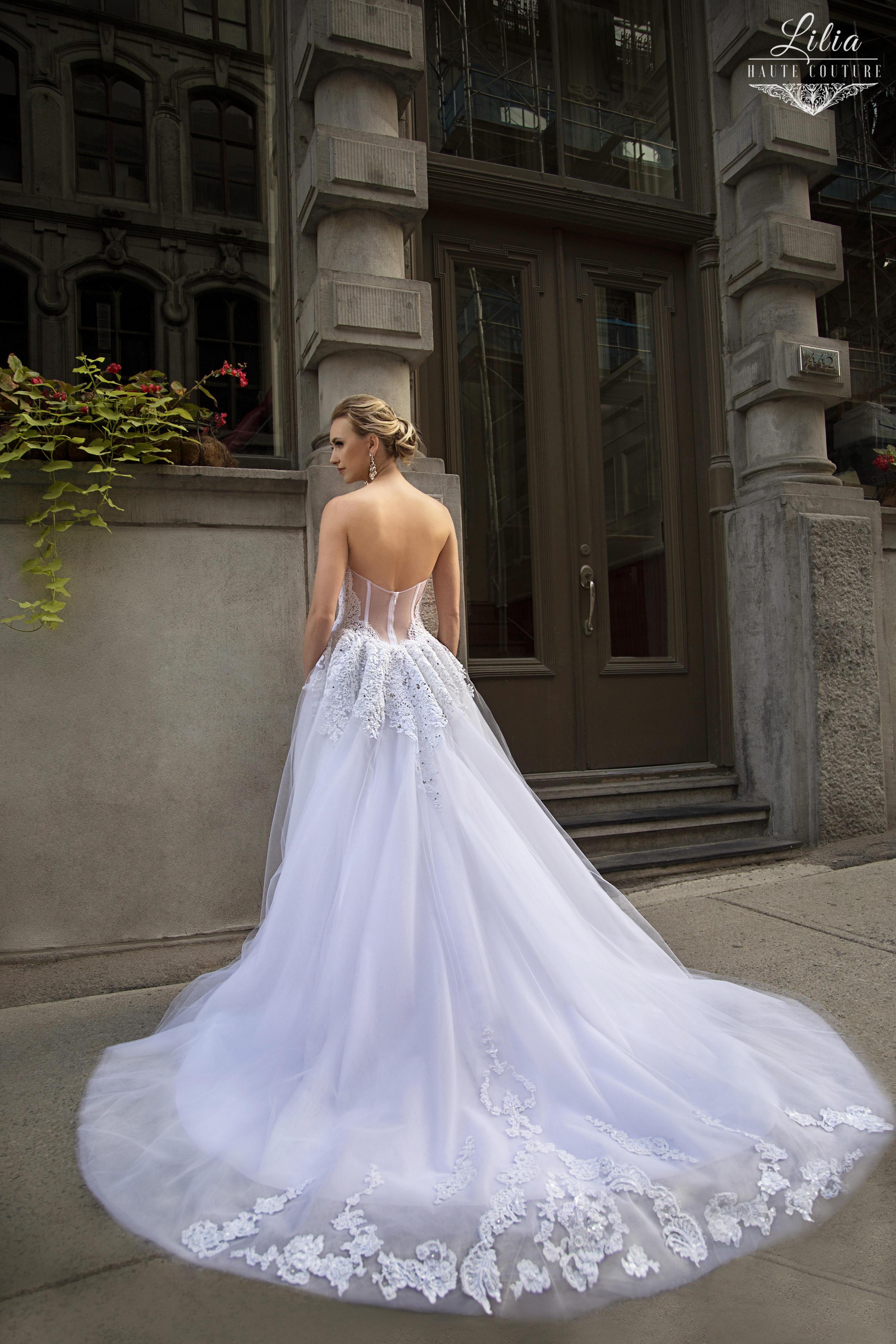 montreal boutique robes de mariee lilia haute couture embellie au dentelle aux perles robe soleile