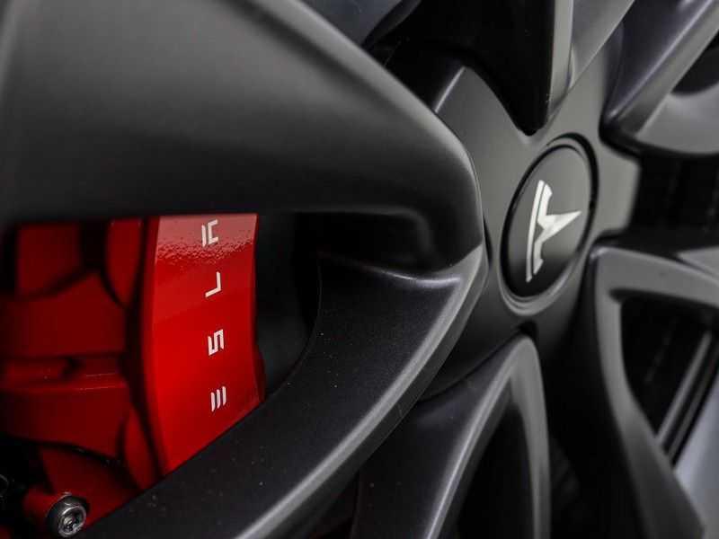 Tesla Model 3 Long Range All-Wheel Drive Performance Prijs is Incl. BTW   20'' grijze Performance-velgen   Performance upgrade   Performance remmen   Autopilot   afbeelding 16