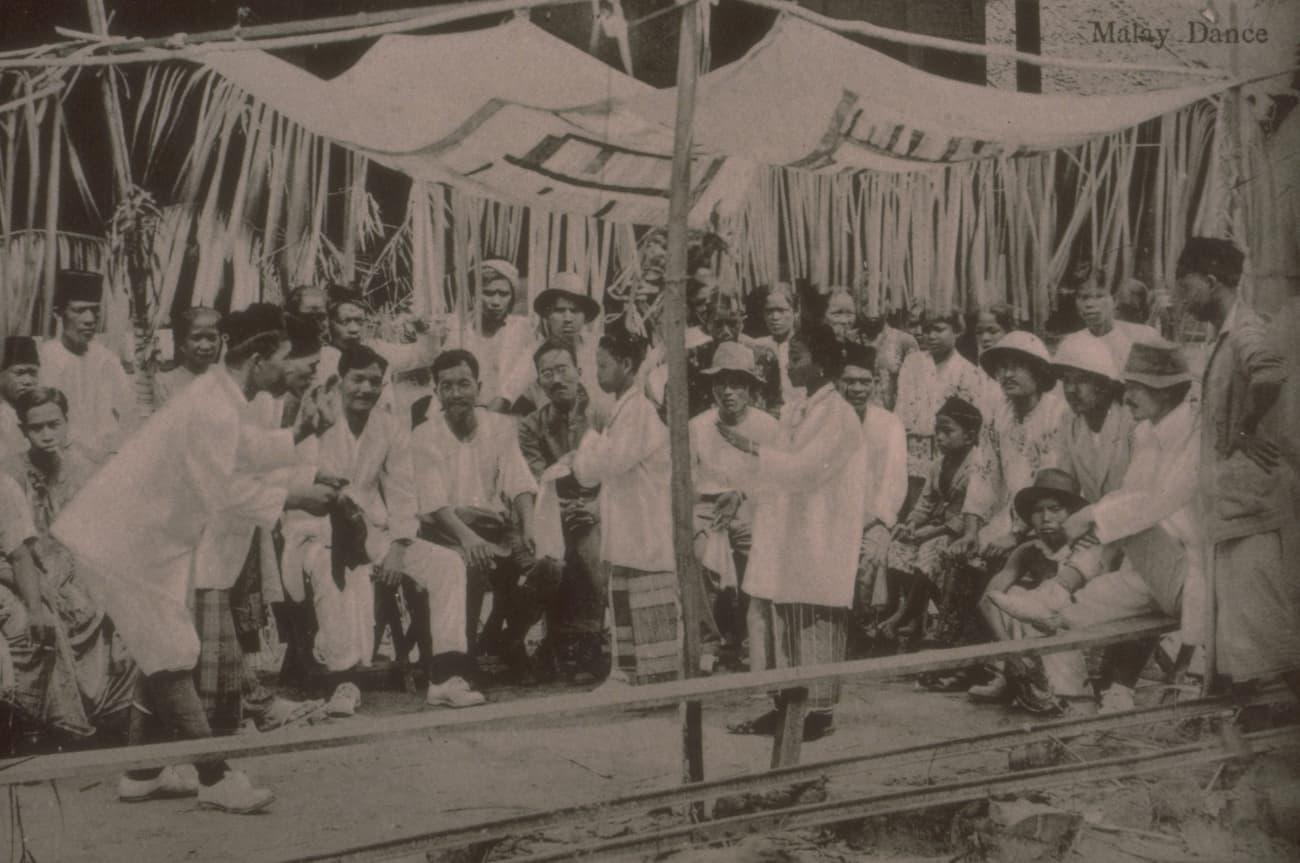 Malay dancers, 1910s