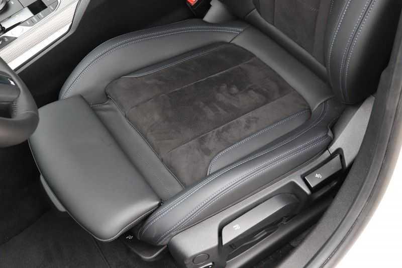 BMW 3 Serie Touring 320i Executive M Sport Aut. afbeelding 20