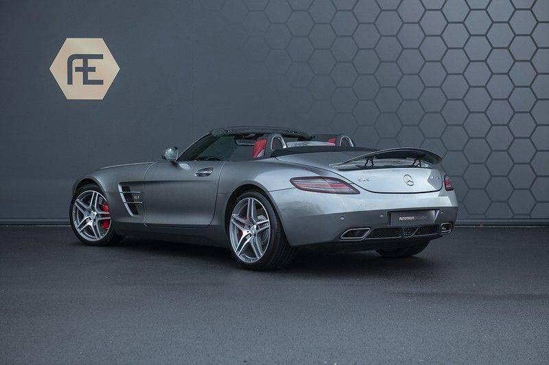 Mercedes-Benz SLS Roadster 6.3 AMG Carbon Pack + MIDDLE GRAY HIMALAYAS + Full Carbon Motor afdekking afbeelding 3