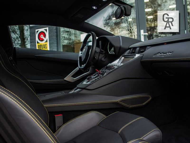 Lamborghini Aventador 6.5 V12 LP700-4 | Lift systeem | 20 inch wielen | Navigatie | afbeelding 8