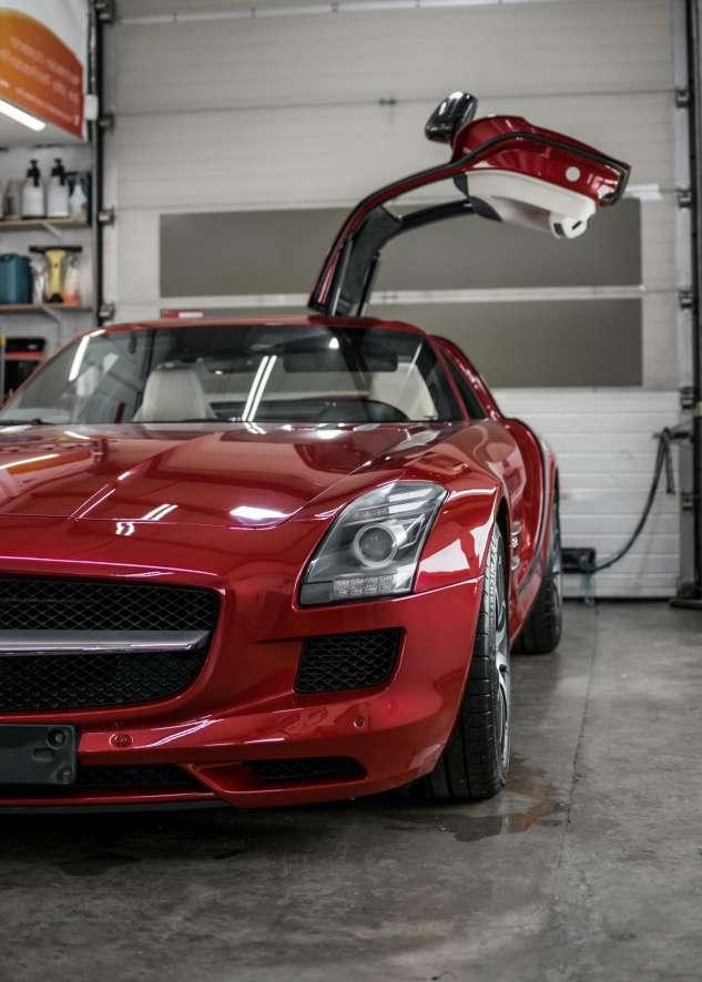 Mercedes SLS image