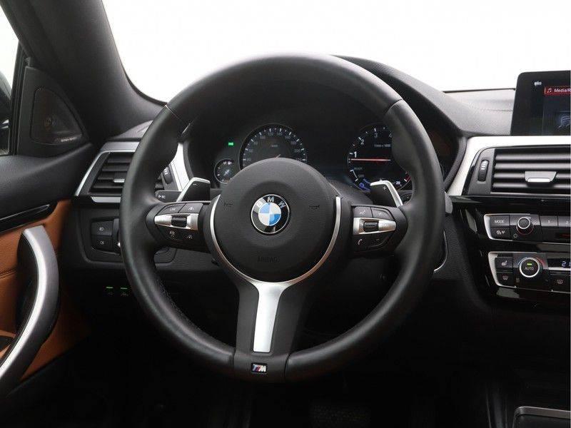 BMW 4 Serie Coupé 440i High Executive M-Sport afbeelding 2