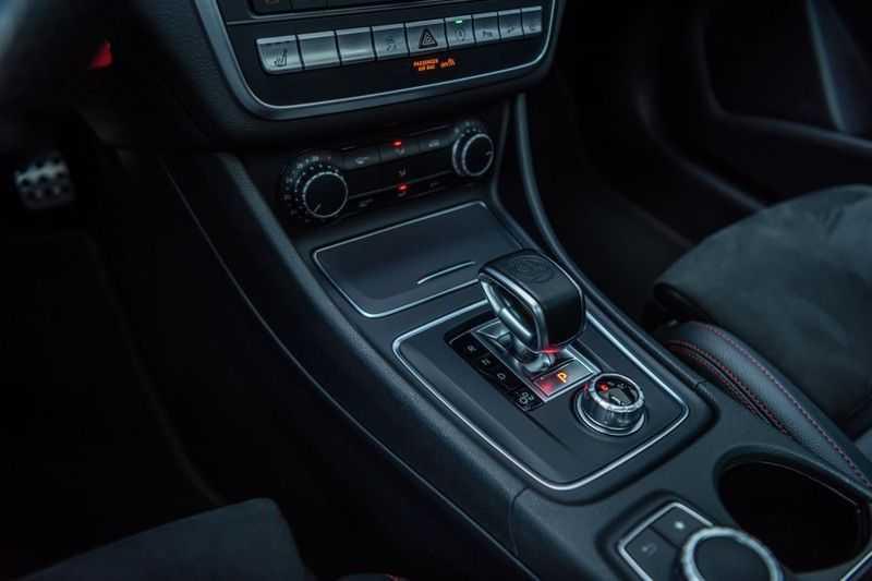 Mercedes-Benz CLA-Klasse 45 AMG 4MATIC, 381 PK, Facelift, Pano/Dak, Camera, Night/Pakket, AMG-Sportuitlaat, 52DKM!! afbeelding 8