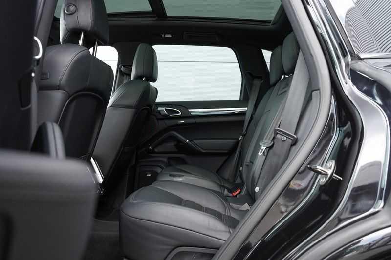 "Porsche Cayenne 3.0 D Facelift Sport Design Sportchrono + stoelen Pano 21"" afbeelding 13"