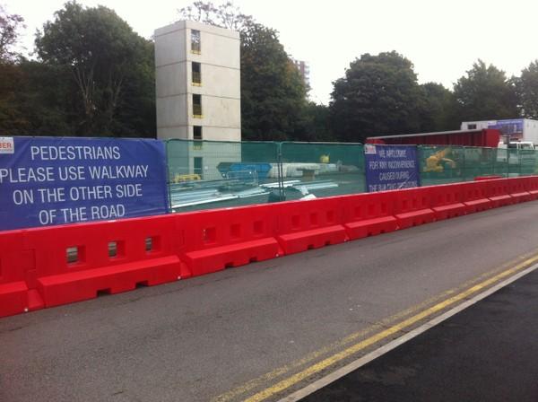 GB2 heavy duty water-filled barrier