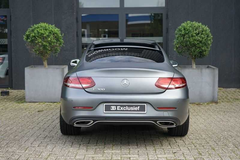 Mercedes-Benz C-Klasse Coupé 300 Prestige afbeelding 8
