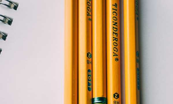 5 brown pencils