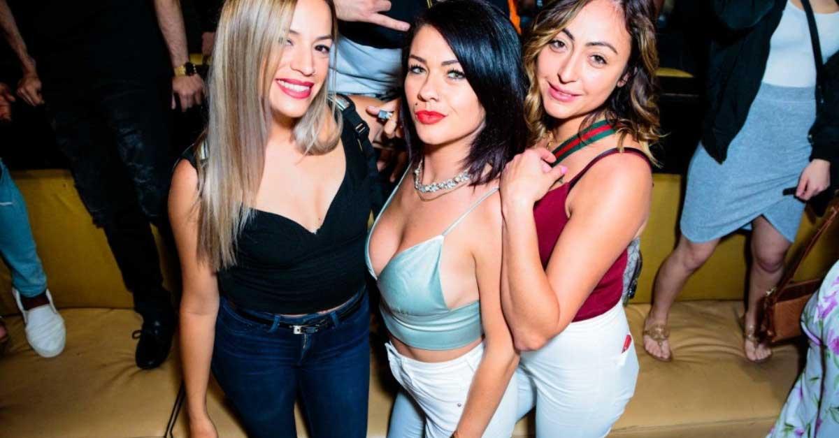 5 Alasan Menikmati Hiburan Malam Di Semarang