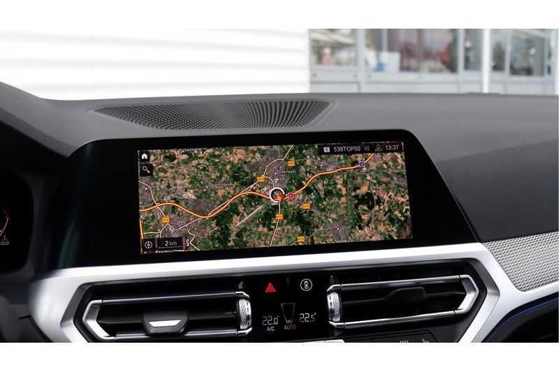 BMW 3 Serie Touring 330i Executive M Sport Adaptieve Cruise Control, HiFi System, DAB afbeelding 16