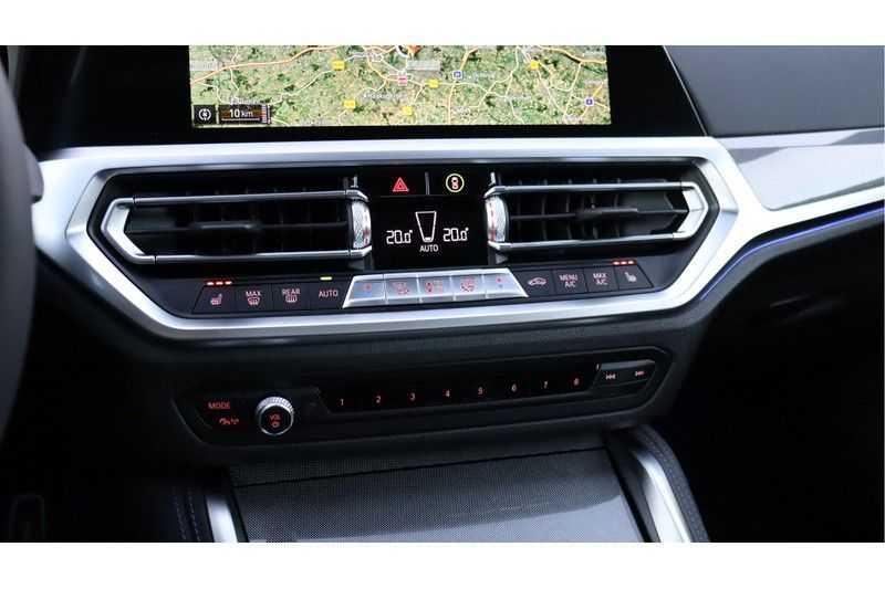 BMW 4 Serie Coupé M440i xDrive High Executive Harman/Kardon, Head Up Display, Schuifdak afbeelding 21