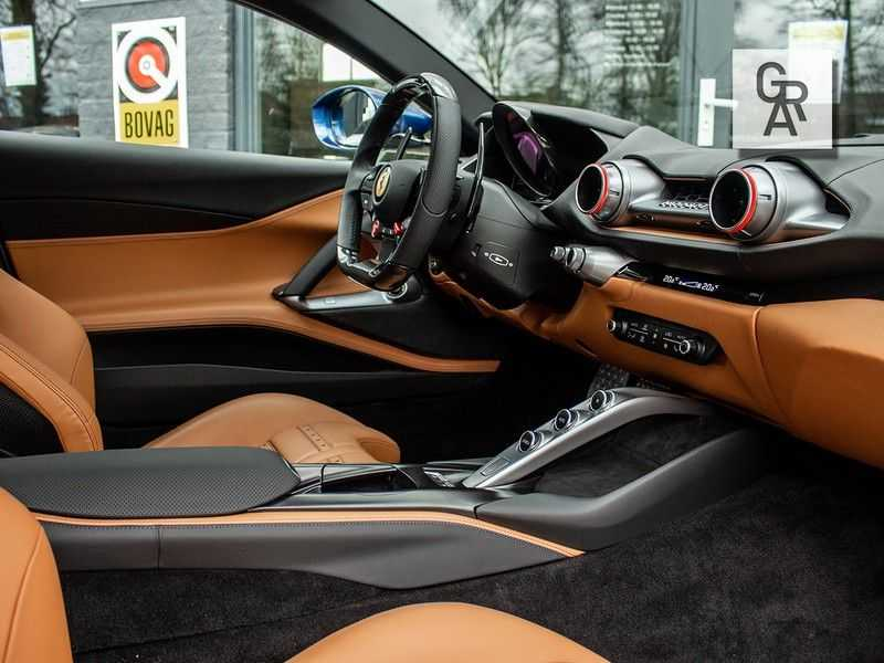 Ferrari 812 Superfast 6.5 V12 HELE | Daytona Carbon Seats | Lift | afbeelding 16