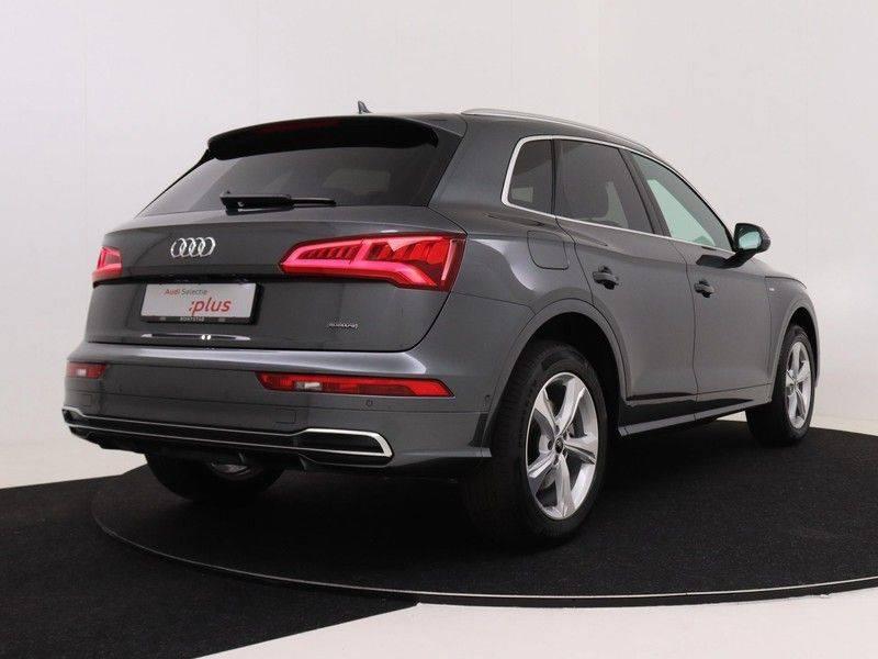 Audi Q5 50 TFSI e 299 pk quattro S edition   S-Line  Assistentiepakket City/Parking/Tour   360* Camera   Trekhaak wegklapbaar   Elektrisch verstelbare/verwambare voorstoelen   Adaptive Cruise Control   Verlengde fabrieksgarantie afbeelding 5