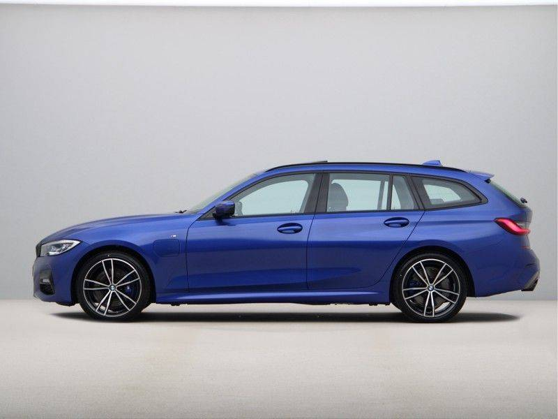 BMW 3 Serie Touring 330e High Executive M-Sport Automaat afbeelding 12