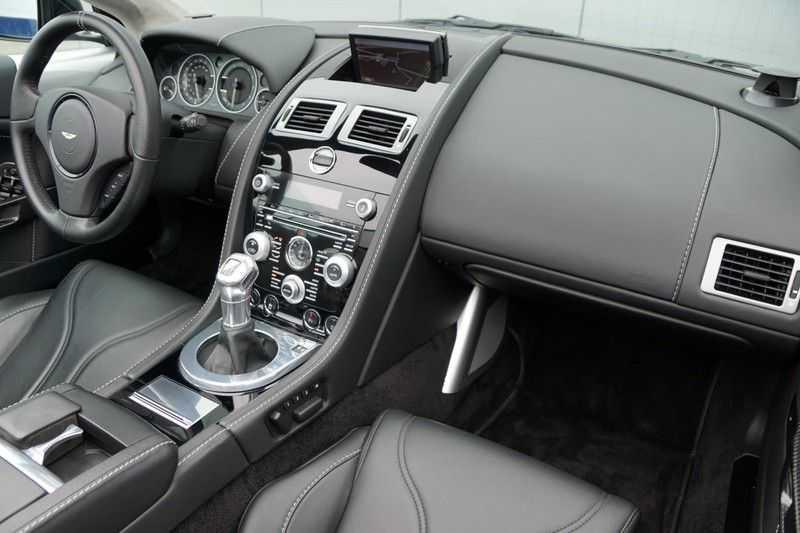 Aston Martin DBS Volante 6.0 V12 6-Speed Manual *!*Only 43 worldwide*!* afbeelding 2