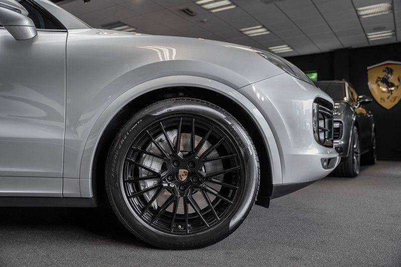 Porsche Cayenne Turbo Pano Bose Keyless Adaptive Cruise Control afbeelding 22