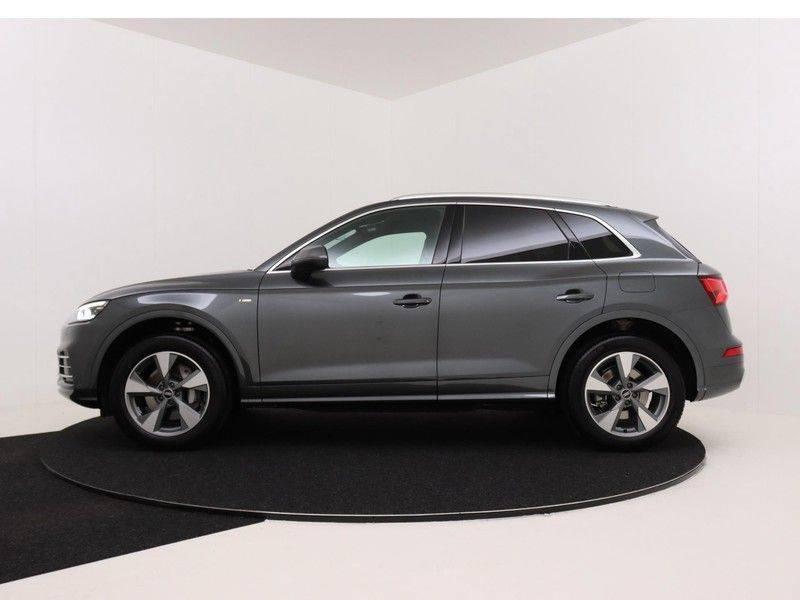 Audi Q5 50 TFSI e 299 pk quattro S edition | S-Line | Trekhaak | Elektrisch verstelbare/verwarmbare voorstoelen | Privacy Glass | Verlengde fabrieksgarantie afbeelding 6