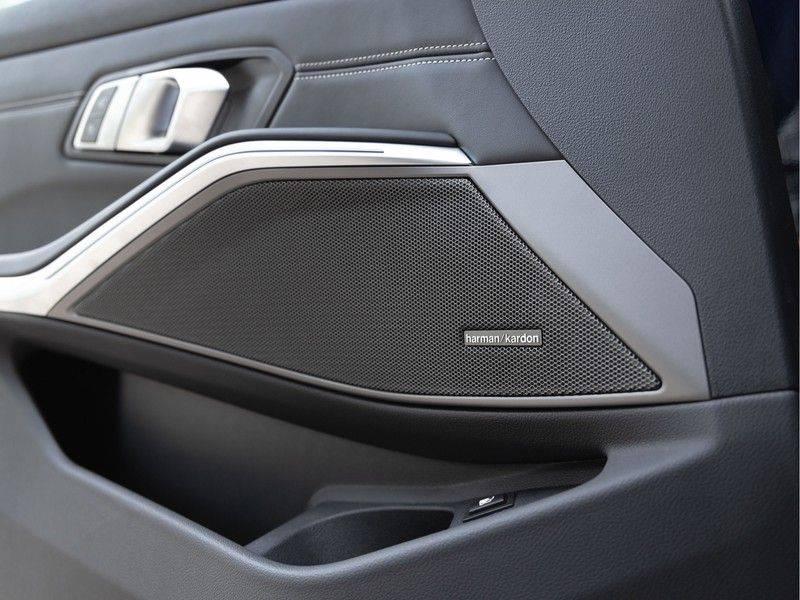 BMW 3 Serie 330e M-Sport - Individual - Dak - ACC - Harman Kardon - Trekhaak afbeelding 21
