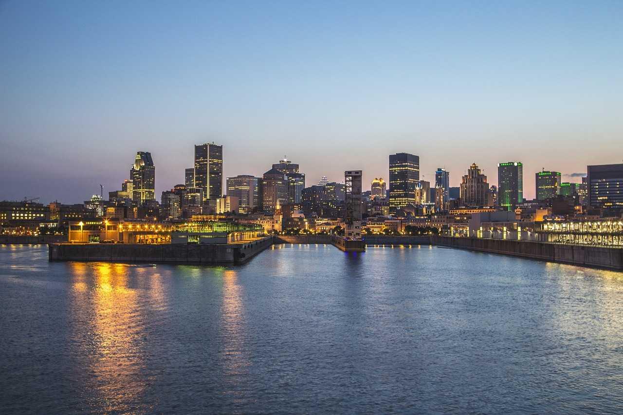 Enfin à Montréal ! cover image