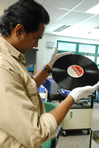 Handling audiovisual media