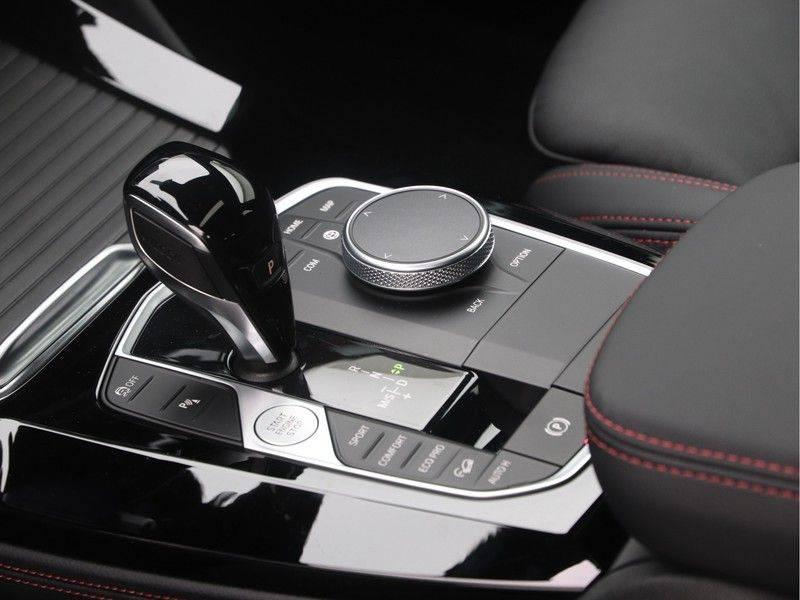 BMW X4 xDrive20i M Sport Edition afbeelding 16