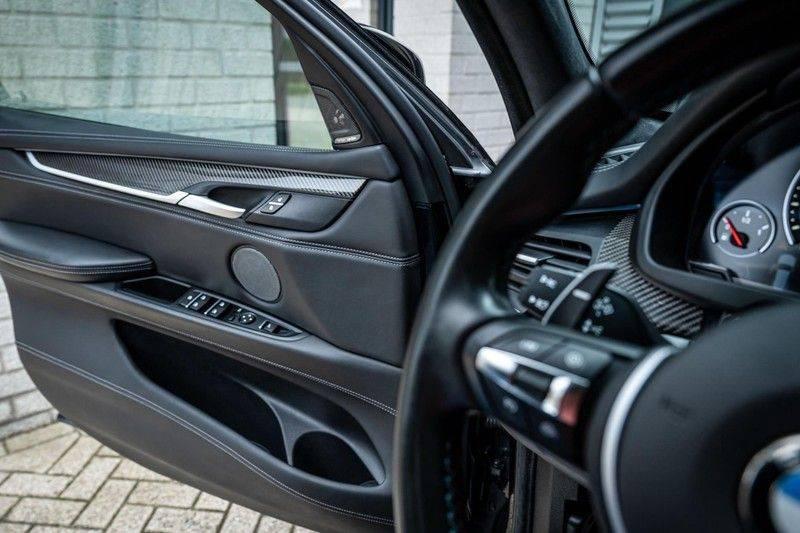 BMW X5 M, 575 PK, Pano/Dak, Leder Merino, Head/Up, Keyless, Soft/Close, Harman/Kardon, Surround View, LED, 22'' Breyton RS, 2016!! afbeelding 16