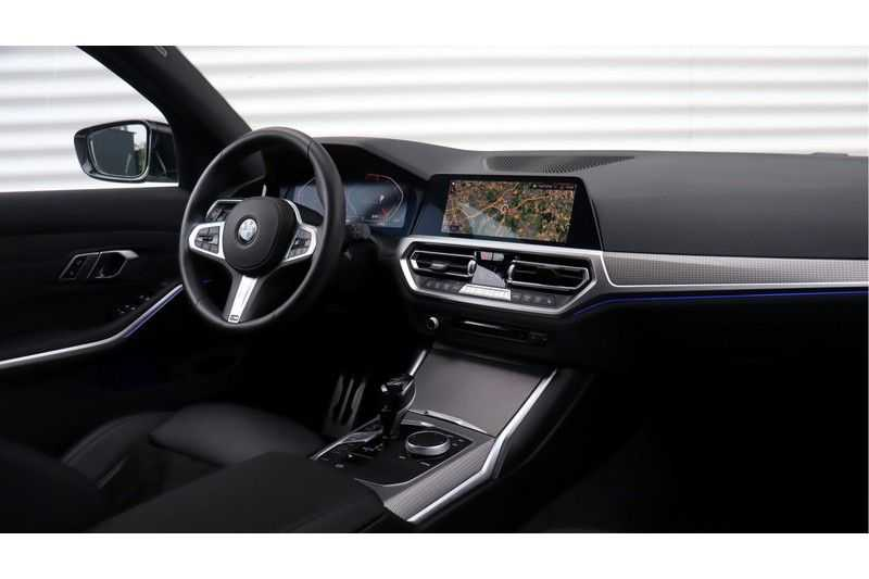 BMW 3 Serie Touring 330i Executive M Sport Adaptieve Cruise Control, HiFi System, DAB afbeelding 4