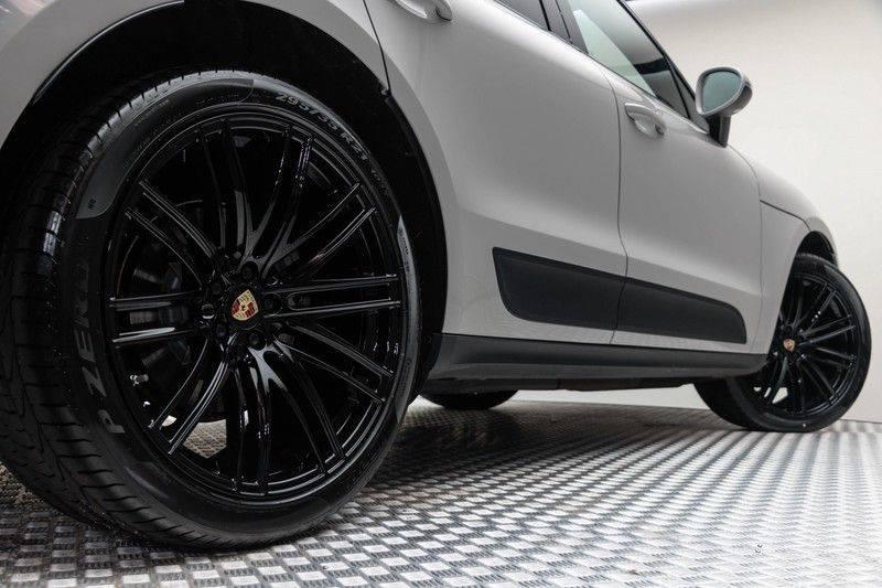 Porsche Macan 3.0 S 354pk PDK Black Design Nieuw Model (Krijt) Luchtvering Panoramadak ACC Sportleder+Memory Full-Led Bochtenverlichting Navi/High Privatglass AppleCarplay 21'' Camera Pdc Trekhaak afbeelding 9