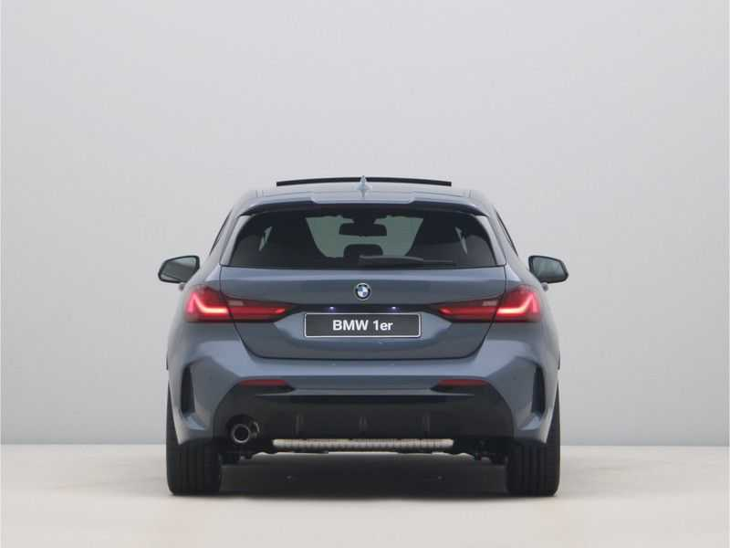 BMW 1 Serie 118i 5rds High Exe M-Sport Aut. afbeelding 10