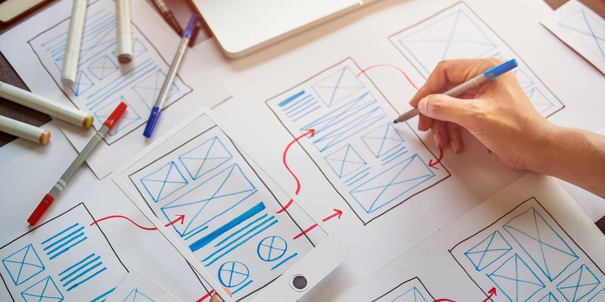 UX designers using UX patterns