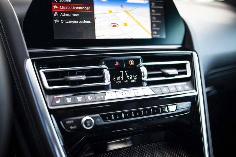 BMW 8 Serie 840d xDrive High Executive *Laser / Harman-Kardon / HUD / Nachtzicht / Carbon / ACC / Nekverwarming* afbeelding 22