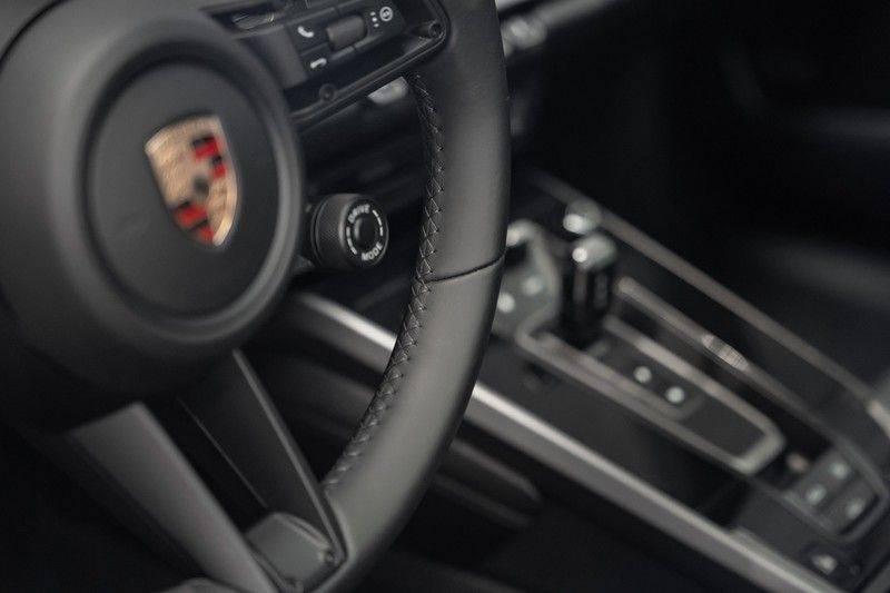 Porsche 911 992 S Coupe Akrapovic Race Cat Sport Chrono Pano Sport Uitlaat Adatieve Sportstoelen 3.0 Carrera S afbeelding 17