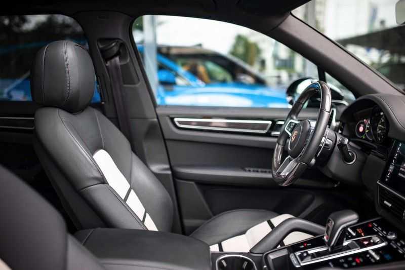"Porsche Cayenne 3.0 E-Hybrid *Pano / BOSE / Massage / Stoelventilatie / 22"" / ACC / Sport Chrono* afbeelding 2"