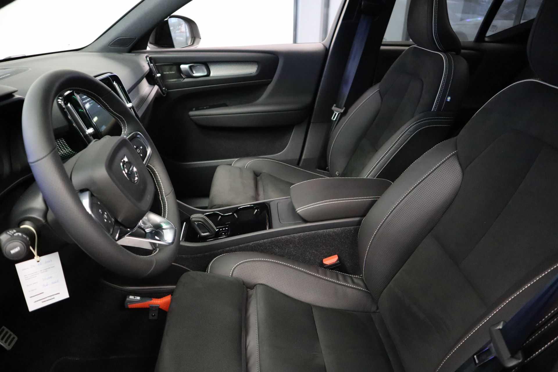 "Volvo XC40 Recharge P8 AWD R-Design EX BTW! Panoramadak 360 Camera 20""LM 8% Bijtelling Direct Leverbaar afbeelding 31"