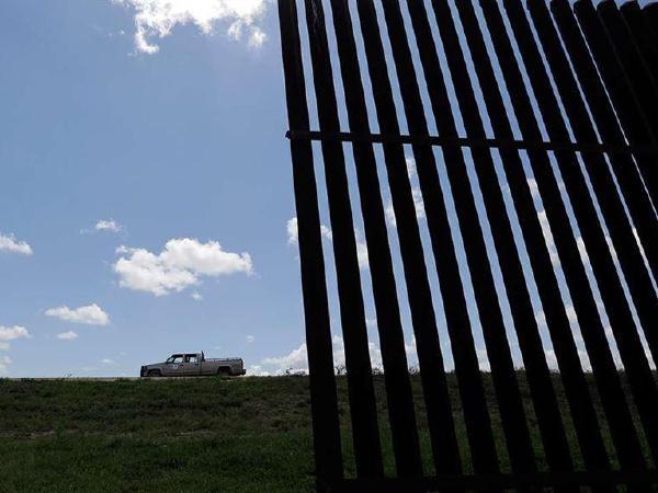 트럼프 행정부, 국경장벽 건설 '어려움'