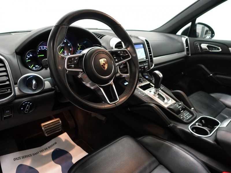 Porsche Cayenne 3.0 S E-Hybrid Sport Chrono 334pk Autom- Panodak, Bose, Leer, Camera, Navi afbeelding 3