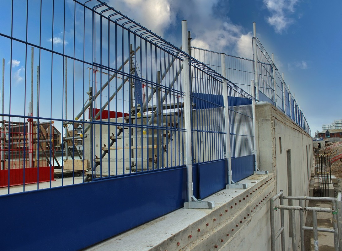 Edge protection barriers multi level