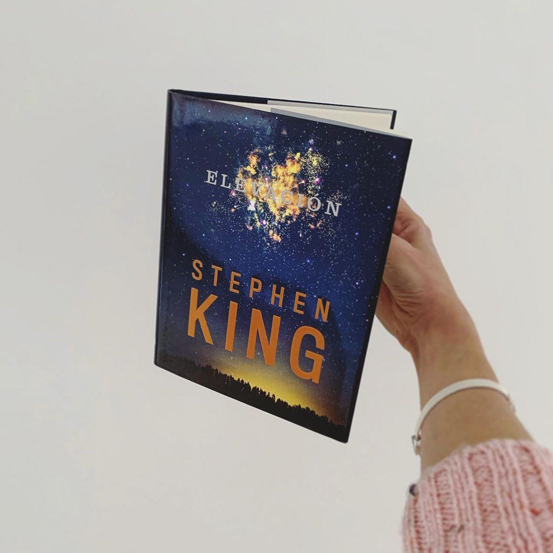 """Imagen de Reseña de """"Elevación"""", de Stephen King"""
